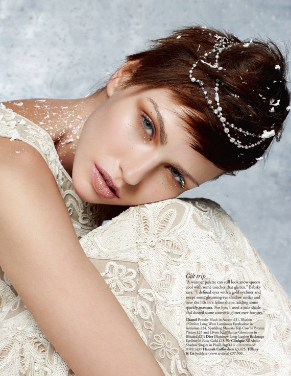 xHarrods-Magazine-December-2013-Beauty-Special-gilt-570x737.jpg.pagespeed.ic.d0yAe0kmuS