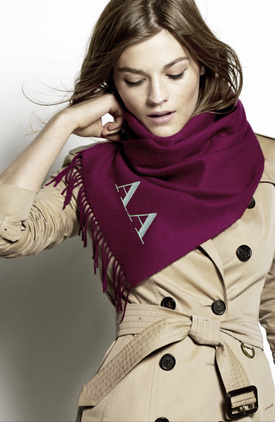 Burberry Scarf Styling - The Bandana step 3 featuring Amber Anderson