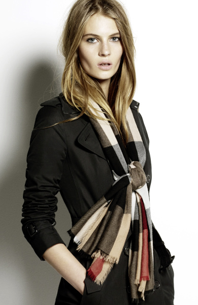 Burberry Scarf Styling - The Low Bow step four featuring Florence Kosky