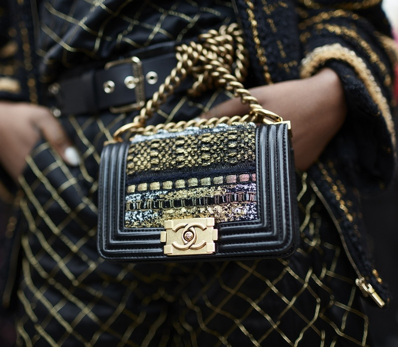 02 Backstage - close-up accessories by Stéphane Gallois LD